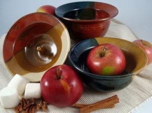 Linda Ippel Apple bowl