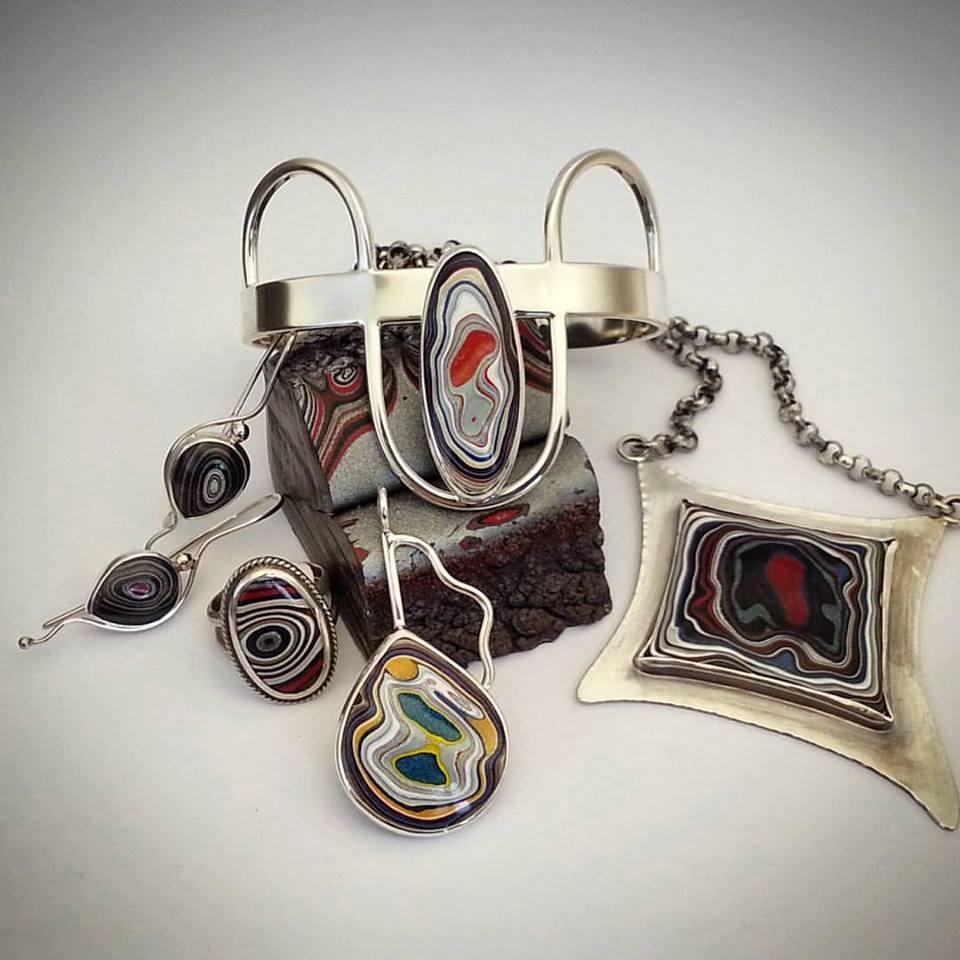 Julie Sanford display of Fordite jewelry