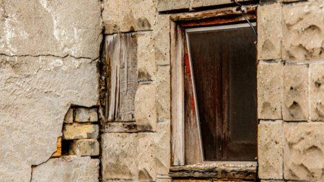 old window by Bob Walma